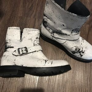 White Frye boots perfect condition
